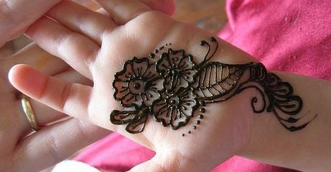 Simple Mehndi Art for Kids