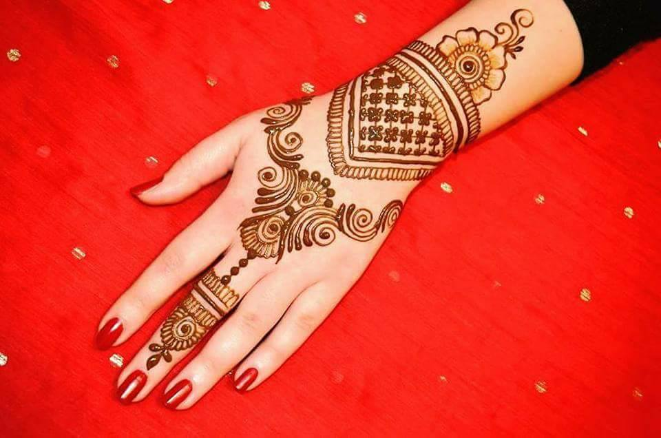 back hand design for mehndi