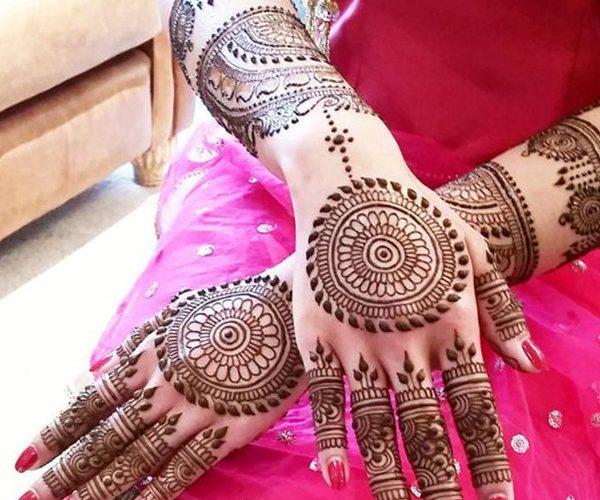 complete hand mehndi art