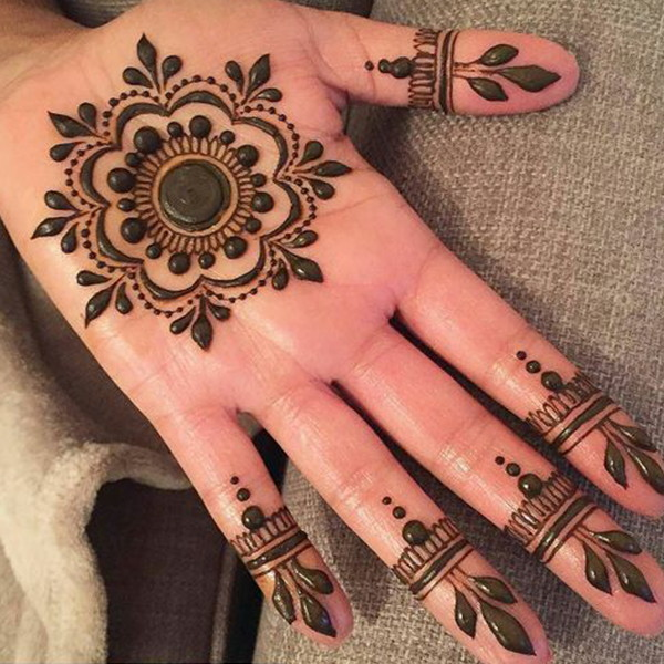 flower mehndi design for palm