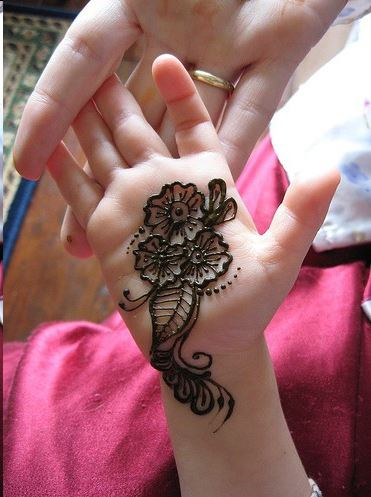 flower mehndi design kids