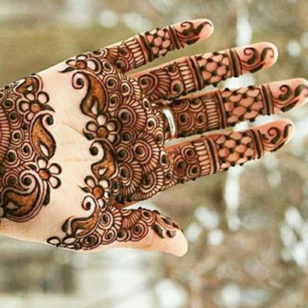 palm and fingers mehndi