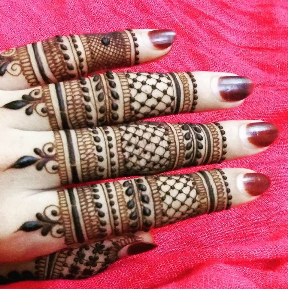 simple mehndi design for fingers